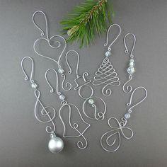 CINQ perles Noël ornement crochets - cintres d