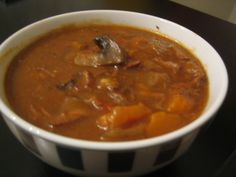 Rundergoulash in de slowcooker @ http://allrecipes.nl