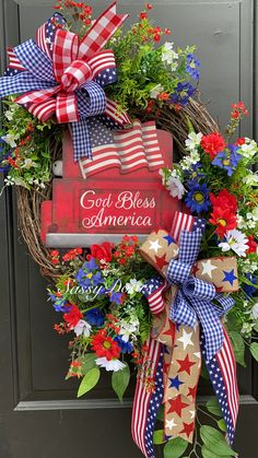 You do things… Fourth Of July Decor, 4th Of July Decorations, 4th Of July Wreath, July 4th, Summer Door Wreaths, Holiday Wreaths, Winter Wreaths, Spring Wreaths, Wreath Crafts