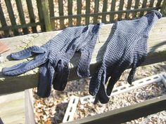 Navy Blue Mesh Dress Gloves, Ladies Formal, Vintage Accessory, Size 6 by Junkblossoms on Etsy