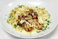 Creamy Chicken Fettucini Alfredo from the Uptown Tavern is SO NOMMY. bitesquad.com delivers! #Minneapolis