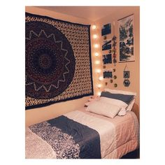 bye bye beige walls #dorm Instagram: michellerrrr Amazing room!
