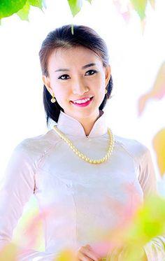 Cataleya Diep (5)   Áo Dài Việt Nam - Tôn vinh vẻ đẹp Việt! …   Flickr