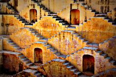 During the monsoons,Abhaneri stepwell looks very attractive and soothing. The beauty of the place lies in the unique concept of symmetrical staircases.  #abhaneri #stepwell #jaipur #jaipurbeat