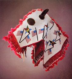The Lakota horse mask. © Ned Martin / Wyoming State Museum, Department of State Parks and Cultural Resources. Native American Masks, Native American Horses, Native American Artifacts, Native American Beadwork, American Indians, American Flag, Horse Mask, Indian Horses, Horse Costumes