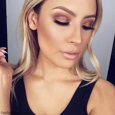 Perfect contour, highlight and golden smokey eyes for glowing makeup look.