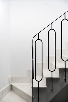Image 14 of 36 from gallery of Impluvium Minora House / Arquitectura. Photograph by Daniel Rueda Staircase Railing Design, Home Stairs Design, Stair Handrail, Interior Stairs, Interior Architecture, Balustrade Design, Minimalist Architecture, Balustrades, Stair Detail