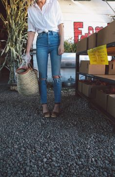 the daybook: September 2016, high waisted jeans, mom jeans, farmers market, simple style, white tops