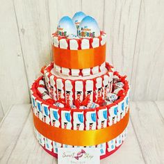 Kinder sweet cake 3 tier Egg Cake, Hampers, Sweet Cakes, Confectionery, Table Centerpieces, How To Make Cake, 3rd Birthday, Personalized Gifts, Unique Gifts