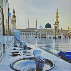 """Madinah ul-Munawarah is the second holiest metropolis and is also recognized as the """"City of Prophet (S.) of Allah Almighty has a very blessed place in Islam of Saudi Arabia. Masjid Haram, Al Masjid An Nabawi, Mecca Masjid, Mecca Islam, Islamic Images, Islamic Pictures, Islamic Qoutes, Alhamdulillah, Medina Mosque"""