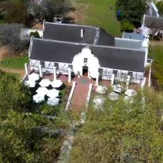 Vergenoegd Low Wine Estate is located in Stellenbosch. The ideal establishment to enjoy wine tasting, a picnic or delicious restaurant meal. Delicious Restaurant, Picnic Baskets, Order Book, Wine Tasting, Cape, Menu, Lunch, Snacks, Outdoor Decor