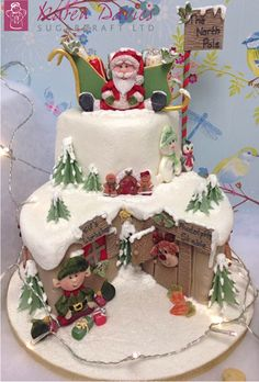 What a great Christmas cake for the kids! Christmas Cake Designs, Christmas Cake Decorations, Christmas Cupcakes, Christmas Sweets, Christmas Cooking, Holiday Cakes, Noel Christmas, Christmas Goodies, Xmas Cakes