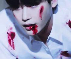 𝙻𝚎𝚎 𝙹𝚘𝚗𝚐 𝚂𝚞𝚔 shared by 金偶像 on We Heart It Lee Jong Suk Wink, Lee Jong Suk Hot, Lee Jong Suk Shirtless, Song Joon Ki, Sad Pictures, Lee Jung, Cover Pics, Jaehyun, Anime Guys