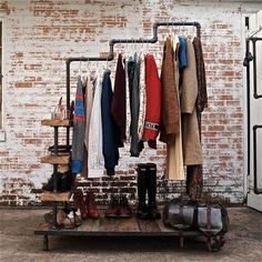 Rangement Industrial Garment Rack Triple Level Possum Belly BY: Everything is made from salvage materials all of which are cut, threaded and/or refinished by hand. Rack Design, Store Design, Clothes Rail, Hanging Clothes, Clothes Storage, Style Clothes, Garment Racks, Retail Merchandising, Industrial Chic