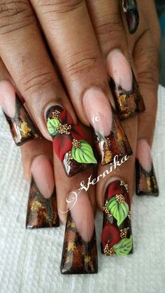 Duck feet nails | flare tip nails | nail art design ideas | long nails | for fall