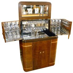 1930s American Art Deco Radio/Bar • RadioBar glasses complete (via @1stdibs)