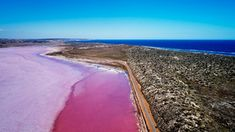 This Ultimate Western Australia Bucket List is guaranteed to give you wanderlust vibes and an endless list of things to do in Western Australia. Queensland Australia, Western Australia, Australia Travel, Victoria Lake, Visit Victoria, Kalbarri National Park, Lake Hillier, Camping Set Up, Fraser Island