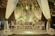 Silvery White Wedding of Arumi and Arra - Pelaminan