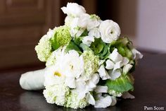 Google Image Result for http://aileentran.com/blog/wp-content/uploads/2011/01/spring-garden-white-green-bouquet1.jpg