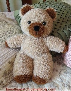 Knitting a teddy bear, models and tutorial - Jocelyne Sigouin - - Tricoter un ours peluche, modèles et tuto Knitting a teddy bear, models and tutorial - Knitted Teddy Bear, Crochet Teddy, Crochet Toys, Teddy Bears, Amigurumi Animals, Knitted Animals, Knitting Blogs, Knitting Patterns, Crochet Dolls