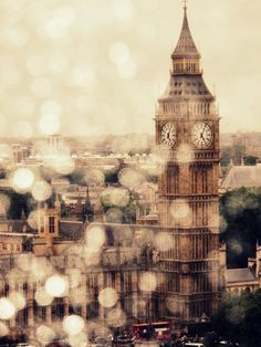 Gorgeous bokeh... Wonder if this was taken from the London eye with raindrops on the capsule?