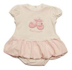 Кокетно бебешко боди имитиращо рокля,с дизайнерска апликация отпред.Закопчава се с тик-так копчета на гърба.