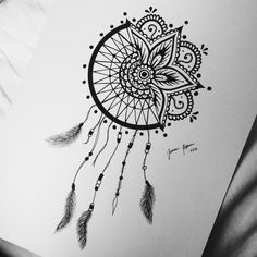 art, dream catcher, and feather image Art Drawings Sketches Simple, Dark Art Drawings, Pencil Art Drawings, Dream Catcher Drawing, Dream Catcher Tattoo Design, Dream Catcher Mandala, Doodle Art Drawing, Mandala Drawing, Mandala Art Lesson
