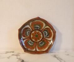 Vintage Mexican Ceramic Plate ~ Mexican Folk Art ~ Lotus Flower Design ~ Signed 'KE' Mexico ~ Ken E Pottery Bowls, Pottery Art, Lotus Flower Design, Mexican Ceramics, Plate Art, Mexican Folk Art, Ceramic Plates, Sign Design, Decorative Bowls