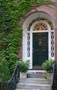 Hamptons Garden: Make a large entrance - Dekoration Ideen 2019 Wood Entry Doors, Front Door Entrance, Arched Doors, Grand Entrance, Windows And Doors, Front Doors, Porch Entry, Front Entry, Doorway