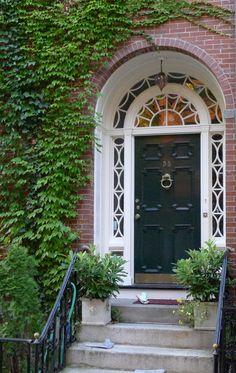 How great is that doorway!