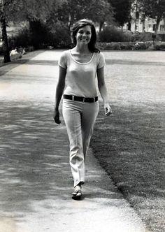 Diana Rigg of the Avengers Emma Peel, The Avengers, British Actresses, Actors & Actresses, Diana Riggs, Dame Diana Rigg, Films Cinema, Sixties Fashion, 1967 Fashion
