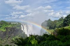 Want to check one awesome thing off your bucket list? @feettoflight tells you what to expect from #VictoriaFalls  #ttot #tbex #travelmassive #travel