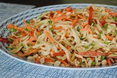 Миндальный пирог со сливами Thai Noodle Salad, Thai Noodles, Peanut Dressing, Sweet Bakery, Cabbage, Berries, Vegetables, Ethnic Recipes, Food