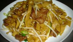 Beef Chow Fun is a classic Cantonese style dish that you can get at almost every Chinese restaurant. Its a little bit difficult to make at home because a good Beef Chow Fun needs a good wok to make. A chef…