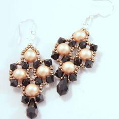 Swarovski earrings Queen | JewelryLessons.com