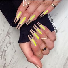 In recent years, the trend of matte nail art design has not changed at all. Matte nail art design is very common in coffin shape nails. The matte effect of various colors can be used on coffin nails, and can be matched with gradients, artificial dia Coffin Nails Matte, Aycrlic Nails, Coffin Shape Nails, Best Acrylic Nails, Nail Swag, Fabulous Nails, Gorgeous Nails, Stylish Nails, Trendy Nails