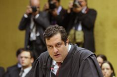Joaquim Barbosa abre ação penal contra advogado de Genoino   #JoaquimBarbosa, #JoséGenoino, #LuizFernandoPacheco, #STF, #SupremoTribunalFederal, #VitorVieira