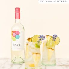 Channel those inner spring and summer vibes with a tropical cocktail recipe perfect for sipping: pineapple lime sangria spritzers. So easy and delicious. Rum Punch Recipes, Sangria Recipes, Cocktail Recipes, Dinner Recipes, Dessert Recipes, Desserts, Cocktails For Parties, Summer Cocktails, Party Drinks