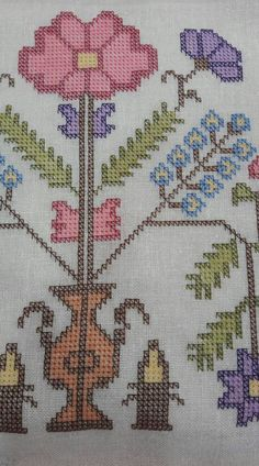 This Pin was discovered by Sem Cross Stitch Embroidery, Embroidery Patterns, Tapestry Crochet, Linen Napkins, Bargello, Blackwork, Needlepoint, Diy And Crafts, Kids Rugs