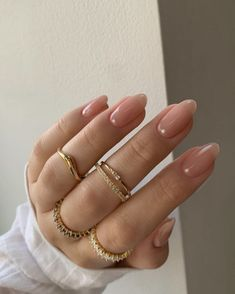 Acrylic Nails Almond Shape, Almond Nails Pink, Classy Almond Nails, Acrylic Nails Nude, Soft Pink Nails, Classy Acrylic Nails, Beige Nails, Neutral Nails, Nude Nails