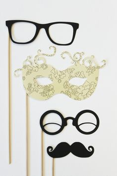 Photo props--this style is a cute idea!