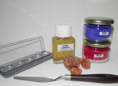Fabrico de Aguarelas. Caixa de maquilhagem, Goma Arábica, Pigmento + Mel e Glicerina.
