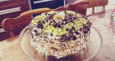 Kolay Çilekli Muzlu Kivili Yaş Pasta ile evde kendinize yada sevdiklerinize harika bir sürpriz yapabilirsiniz . İşte Kolay Çilekli Muzlu Kivili Yaş Pasta Breakfast, Cake, Desserts, Food, Morning Coffee, Tailgate Desserts, Deserts, Kuchen, Essen