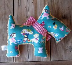 Created from plush pale yellow vintage chenille and some gorgeous reproduction vintage childrens fabric, Francis would make an ideal baby safe gift.