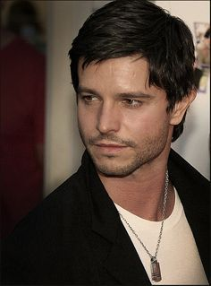 from Behring it all! Pretty People, Beautiful People, Jason Behr, Kyle Rayner, Actors Male, Scion, Celebs, Celebrities, Man Crush