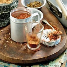 Make your own grilling, BBQ, or braai seasoning salt spice mix. Homemade Cheese, Homemade Pasta, Homemade Recipe, Braai Recipes, Cooking Recipes, South African Braai, South African Recipes, Africa Recipes, No Salt Recipes