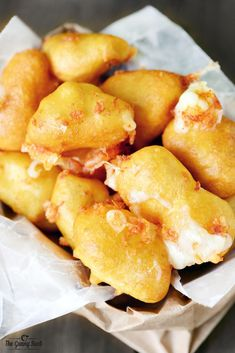 This Fried Cheese Curds recipe was so easy to make. These deep fried white cheddar cheese curds are the BEST appetizer and the perfect comfort food!