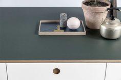 De Basis 01 keuken door interieur ontwerp bureau Reform - De basis is een IKEA keuken met nieuwe kastdeuren.