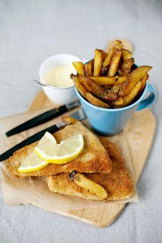 Panerad fisk & chips med citronaioli