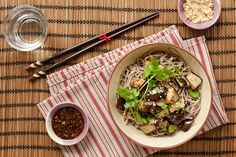 soba nudle s lilkem Japchae, Cooking, Ethnic Recipes, Food, Kitchen, Essen, Meals, Yemek, Brewing